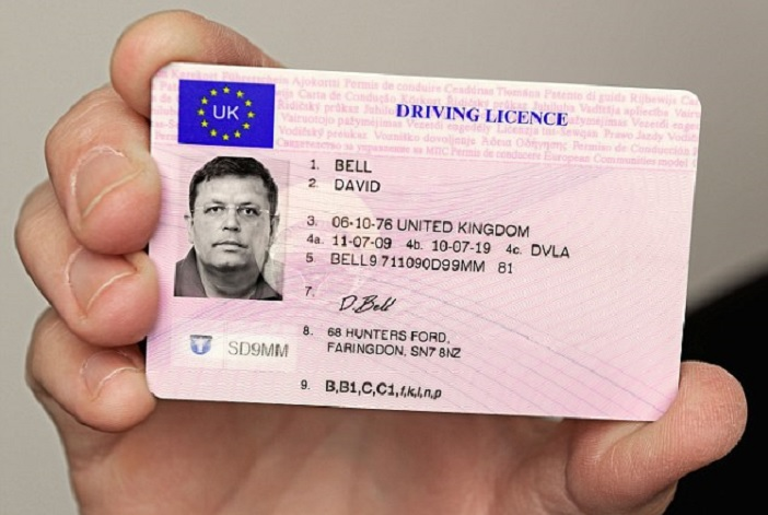 1406506440825_wps_1_D2HRFG_UK_Driving_Licence