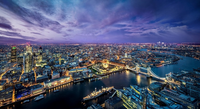 Beautiful+London+city+at+evening+lights+river+buildings+bridge+Wallpaper