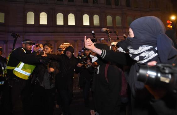 an110027673protestors-confr