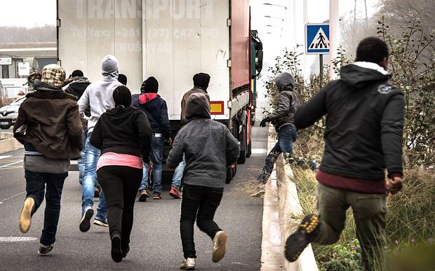calais-migrants_3089813b