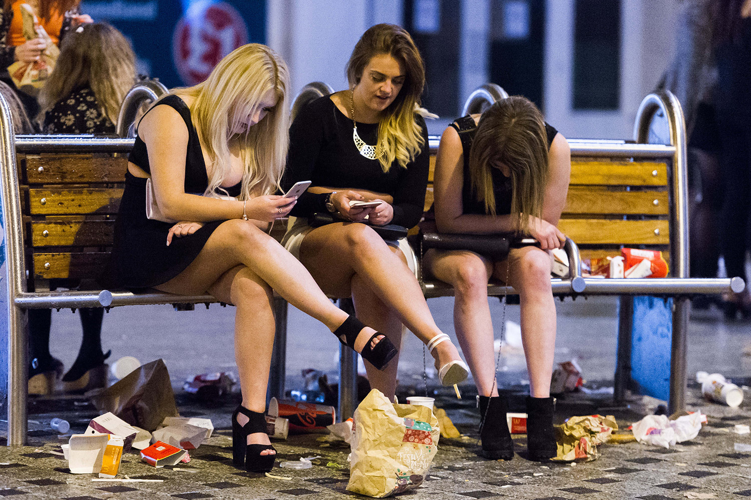 clean-up-revellers_2623023a