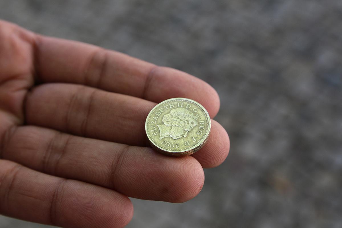 one_pound-web