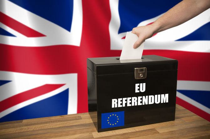 reeditor-2016-8429-feb-8430-01-09-8538-uk-expats-should-register-to-vote-in-the-eu-referendum_7550_t12
