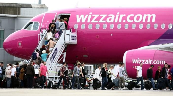 2a31acea064b A Wizz Air, Közép- és Kelet-Európa legnagyobb diszkont légitársasága ma  bejelentette, hogy 2017. október 29-től minden járatán ingyenes lesz a nagy  ...